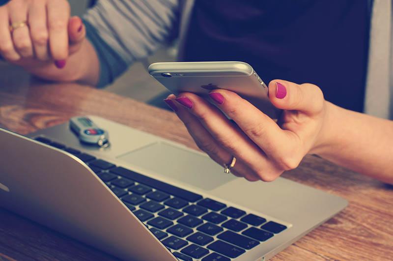 ten common tech myths debunked 2